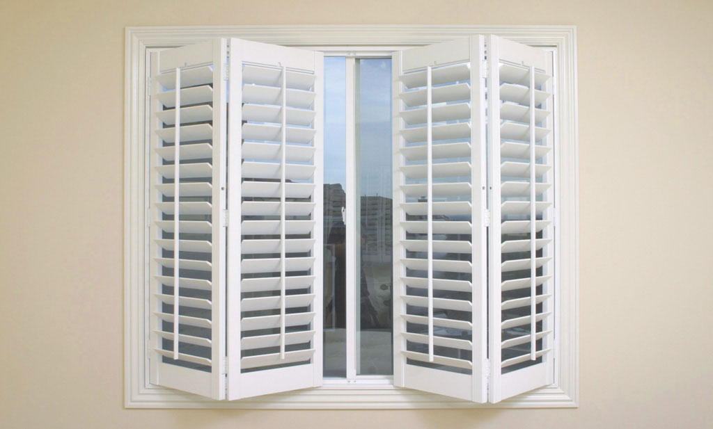 Collapsible Painted Plantation Shutters